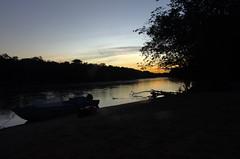 Sunset with canoe on the Bita river (Aztlek) Tags: amanecer sonrise río river ríobita bitariver bita fotoexpedición fotoexpediciónorinoco vichada colombia photoexpedition orinocophotoexpedition trekking hiking senderismo caminata viajaryvivir afsdxnikkor18200mmf3556ged nikkor 18200mmf3556 f3556 f13556 ufraw ilovenature nikond7000 nikon d7000 nikongpsunit gpsunitgp1 gpsunit photography fotografía canoa canoe