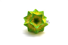 Twister (Akizhi) Tags: origami kusudama modular paper art crafts folding