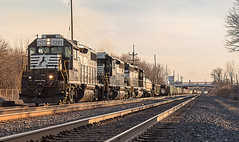 NS 5293 leading NS L13 Sheldon Rd Brookpark, OH (Chicago Line Railfan) Tags: norfolk southern l13 ns chicago line 5293 bellevue oh brookpark ohio golden hour gp382 standard cab