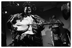 King Ayisoba @ Cafe Oto, London, 30th March 2017 (fabiolug) Tags: kingayisoba african ghanese africanmusic trance cafeoto london dalston music gig performance concert live livemusic leicammonochrom mmonochrom monochrom leicamonochrom leica leicam rangefinder blackandwhite blackwhite bw monochrome biancoenero voigtlandernoktonclassic35mmf14 voigtlandernokton35mmf14 voigtlander35mmf14 35mm voigtlander kologo