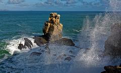 CAP CARVOEIRO près de PENICHE au PORTUGAL (Odile ENTRE MER ET MONTAGNE) Tags: portugal peniche capcarvoeiro mer sea seascape paysage falaises rochers vagues