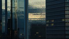 Ice palace... (kali_merette2002) Tags: batiment buldings reflet sunset couché heurebleue bluehour couchédesoleil francfort francfortsurlemain frankfurt allemagne germany architectur architecture