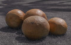 The Balls (Serlunar (tks for 5.4 million views)) Tags: bolas nannai serlunar balls selective color cor seletiva