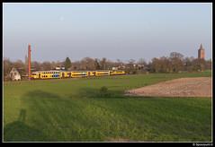 NSR 7375 + 1737 - 5569 (Spoorpunt.nl) Tags: 9 april 2017 nsr ddar stam 7375 locomotief 1737 trein sprinter 5569 soest zuivelfabriek schoorsteen spoor 38 maan
