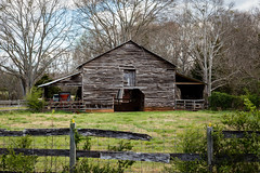 Barn - Oconee Co., S.C. (DT's Photo Site - Anderson S.C.) Tags: canon 6d 24105mmlef lens townvillesc oconee south carolina rural farm barn country road southern america vanishing landscape cattle fence pasture pastoral vintage rustic upstate southernlife