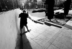 Noseslide (gborgskij) Tags: nikkormat 20mm noseslide alicante skateboarding spain film analog 35mm kentmere 100 hc110 dilution b 545 ledge curb