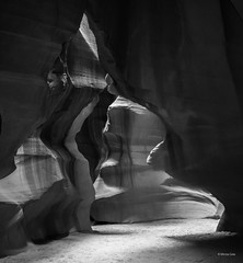 Antelope Canyon-Arizona-black-white