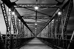 El Puente (osruha) Tags: loradelrío sevilla seville andalucia andalusia españa espanya spain arquitectura architecture puente pont bridge hierro ferro iron blancoynegro blancinegre blackandwhite bn bw monocromo monocrom monochrome nikon nikonistas d750 flickr