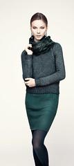 Платье M Missoni, свитер Iblues, палантин Scervino Street, колготки Calzedonia, серьги Zara