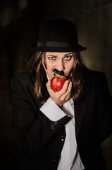 Neri #01 (Micaela Minigo) Tags: apple costume funny charles moustache actress bite chaplin