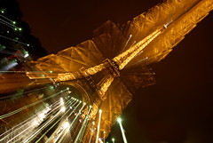 Paris-Tour-Eiffel (zumaqueromf) Tags: voyage travel paris france monument architecture toureiffel extrieur nuit lumires magique