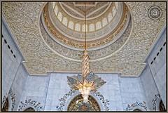 Abu Dhabi, United Arab Emirates (Wioletta Ciolkiewicz) Tags: city capital ciudad mosque ceiling arabic chandelier abudhabi dome swarovski decor emirate unitedarabemirates citt zea miasto sufit stolica kopua sheikhzayedbinsultanalnahyan dekoracje meczet yrandol emiratiarabiuniti  emiratosrabesunidos sheikhzayedgrandmosque  uaezjednoczoneemiratyarabskie wiolettaciolkiewicz