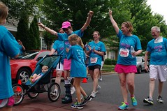 POP_2336 (Philip Osborne Photography) Tags: charity race see nc arm running run line finish seaford 5k matthews amputee prosthetic kristan offcameraflash