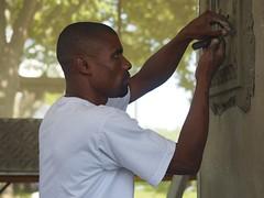 Plaster Artisan (Miki J.) Tags: people portraits smithsonian kenya carving artists artisans kenyan smithsonianfolklifefestival environmentalportraits 2014folklife smithsonianfolk