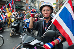 Thai protest in Bangkok against prime minister Yingluck Shinawatra (Jules Carati Photography) Tags: thailand bangkok protest suthep thaugsuban primeministeryingluckshinawatra