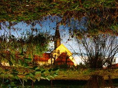 IMG_0104 upside down Reflection / Spiegelbild (Traud) Tags: deutschland bayern bavaria germany kirche church gartenteich pool teich reflection spiegelbild 180°gedreht