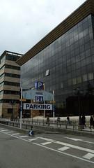 23-05-2013 025 (Jusotil_1943) Tags: 23052013 fachada cristal p parking señales trafico
