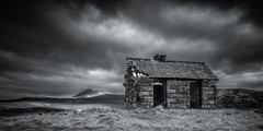 Elphin Bothy (Roksoff) Tags: elphin bothy dilapidated ruin ancient hut camloch winter snow lochassynt sutherland stacpollaidh suilven culmor canisp scottishhighlands glencanisp scotland nikond810 leefilters 1635mmf4 blackandwhite mono