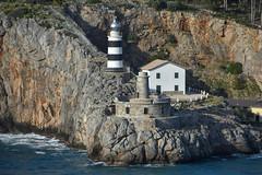 Faro Sóller (CesarFresno) Tags: faro lighthouse costa mallorca baleares sóller acantilado mar rocas sea ocean oceano