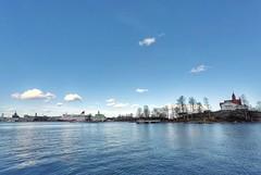 Kaivopuisto, Klippan, Helsinki, March 23rd 2017. #kaivopuisto #klippan #visithelsinki #helsinki #vikinglinesuomi #vikingline #visitfinland #gopro #hero5 #goprohero5 #meri #sea #landscape #seascape #jää #ice #jäässä #jäätynyt #frozen #sunrise #auringonnous (Sampsa Kettunen) Tags: landscape kaivopuisto jäässä ice jäätynyt helsinki jää klippan auringonnousu hero5 meri sea gopro heijastus vikinglinesuomi frozen vikingline lovesreflections visitfinland visithelsinki seascape reflection sunrise goprohero5