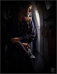 Mas allá de las nubes (Beatriz Padilla-Sua) Tags: ventana azafata avión