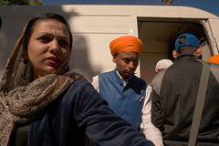 The Sikh community in Rome. (MarcelloCeraulo) Tags: roma lazio italia italy sony sonyalpha sonya5000 street streetphotography urban people color light red yellow blue