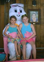 Kids Visit Easter Bunny at LuLu's 2017-4