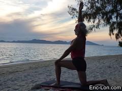 Yoga sun salutations at Kradan (13) (Eric Lon) Tags: kradanyogaavril2017 yoga sunrise salutations asanas poses postures beach plage mer thailand kradan island ile stretching flexibility etirement souplesse body corps fitness forme health sante ericlon