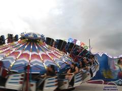 Rápido (Janos Graber) Tags: brinquedo diversão parque sãojoãodemeriti pessoas sãojoãodomeritirj