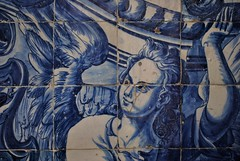 I can't let Maggie go (S. Hemiolia) Tags: blue ceramica portugal angel blu catedral porto cloister angelo azulejo chiostro azulejos portogallo maiolica catedrale sécatedral maioliche angeloblu