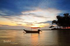 SENDIRI (alzikr) Tags: beach sunrise landscape boat slam fishing malaysia kuala pantai terengganu ibai sendir