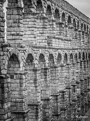 140426_00151-2_Online-3 (Miguel Tavares Cardoso) Tags: bw miguel spain espanha pb espana acueducto viagens cardoso aqueduto 2014 tavares estrangeiro segóvia internationalflickrawards migueltavarescardoso