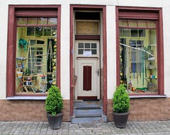 Ropemaker´s. Seilerei Werner. (:Linda:) Tags: window shop germany stair thuringia step workshop flowerpot shopwindow whitedoor ropemaker seilerei seilereiwerner