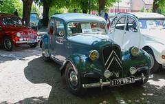 1954 Citron 11BL Berline (Kentishman) Tags: france nikon 1954 berline 11bl saulieu d80 afsdxzoomnikkor18135mmf3556gifed citroen dsc6502 8135wb21 ladeuchesedelocienne fetedelaroutenationale6 cotedor