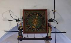 Stadthagen, Niedersachsen, St.-Martinikirche, clock (groenling) Tags: wood woman man clock metal germany de deutschland paint bell carving mann frau holz metall woodcarving uhr glocke malerei niedersachsen stadthagen stmartinikirche einzeigeruhr