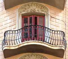 Barcelona - Concrdia 032 c (Arnim Schulz) Tags: barcelona espaa art window architecture liberty ventana spain arquitectura arte fenster kunst catalonia finestra artnouveau gaud architektur catalunya espagne fentre modernismo catalua spanien modernisme jugendstil espanya katalonien stilefloreale belleepoque baukunst