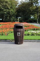 Sherwood Trash Can (Glasdon Inc) Tags: trash garbage outdoor bin container sidewalk waste trashcan external receptacle sherwood woodeffect glasdon woodenlook glasdoninc glasdonusa