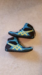 Custom asics aggressors sz10 (obergty) Tags: blue black yellow shoes paint 10 wrestling painted size asics 105 custom 95 sz aggressor aggressors