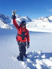 Powder Hunter 73/365 (rmrayner) Tags: tmlmountainguide tordrillomountains alaska offpiste glacier heliskiing skiing powdersnow winter 73365 365daysof2017 365project 365the2017edition