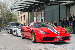 Too Many People (Beyond Speed) Tags: ferrari laferrari 458 speciale supercar supercars car cars carspotting nikon v12 hybrid v8 white red london knightsbridge combo