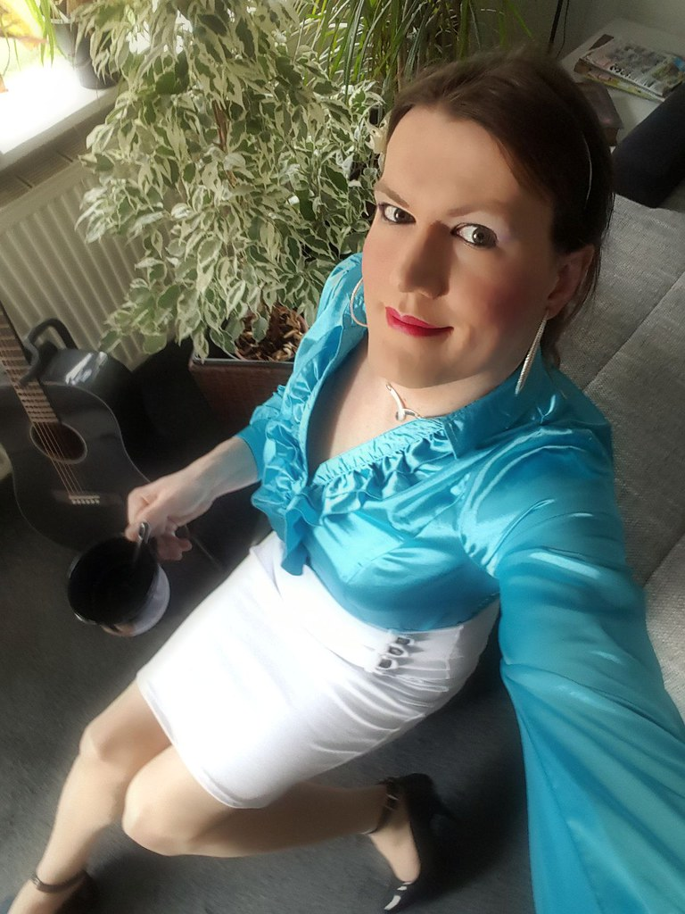 gallery only satin transvestite
