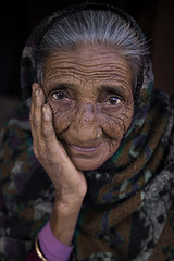 (silvia pasqual) Tags: asia asian nepal nepali people portrait portraiture person face woman old elderly age sweet gentle bandipur village life smile eyes beautiful photo photography travel traveling travelers travelphotography travelportrait world soul hand story human color colors canon natgeo culture