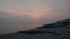 Le Havre - Coucher de Soleil sur la plage de Sainte Adresse (jeanlouisallix) Tags: le havre sainte adresse mer plage eau grève falaise côte dalbâtre coucher de soleil sunset lumière clair obscure