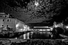 Bagno Vignoni (SI) (gianclaudio.curia) Tags: terme toscana siena bagnovignoni notturno notte bianconero blackwhite d7000 digitale luna nuvole