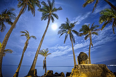 Maui Ingress Portal (Dave Kehs) Tags: maui hawaii dave kehs bingham canon 5d 1635 longexposure night fullmoon palmtrees monument ingress portal ocean clouds blue sky
