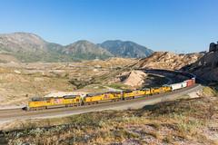 UP 8912 @ Cajon Pass, CA (Mathieu Tremblay) Tags: phelan california unitedstates cajonpass up union pacific railroad railway chemin fer sullivans curve mojave subdivision locomotive sd70ace emd 8912 manifest sony a99 sal2470z