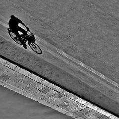 a ghost (archifra -francesco de vincenzi-) Tags: archifraisernia francescodevincenzi ombra strada bicicletta bicyclette bicicleta ghost fantasma