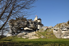 spring as it is (JoannaRB2009) Tags: spring zamek castle bobolice building architecture rocks stones tower old historical śląsk śląskie jurakrakowskoczęstochowska polska poland landscape view blue