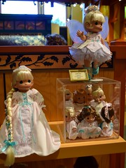 Disneyland Visit 2017-4-16 - Downtown Disney - World of Disney - Precious Moments Dolls (drj1828) Tags: disneyland us anaheim dlr visit 2017 downtowndisney worldofdisney doll preciousmoments easter