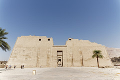 Pylon at Medinet Habu (Chris Irie) Tags: medinethabu luxor temple egypt pylon